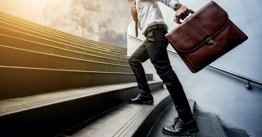 step diventare consulente assicurativo